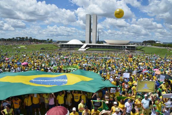 Com mais de 2,5 milhões de habitantes, Brasília é a quarta cidade mais populosa do Brasil.