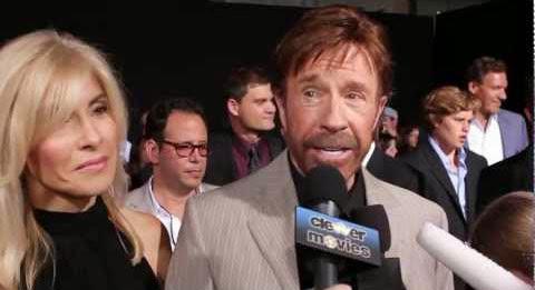 O mito Chuck Norris fala qual sua piada favorita sobre ele mesmo