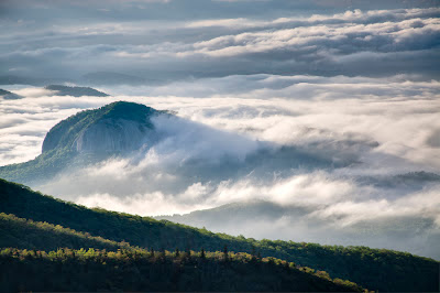 Photo of Looking Glass Rock by Rob Travis Photography