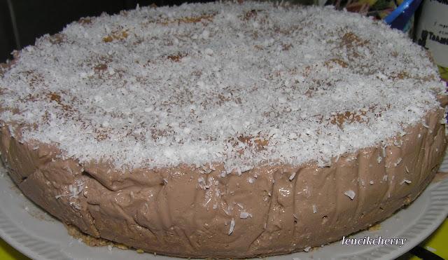 Шоколадно банановый торт без выпечки с приготовлением с фото