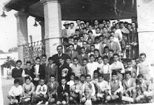 D.ENRIQUE CON GRUPO PARA EXCURSION A ITALICA