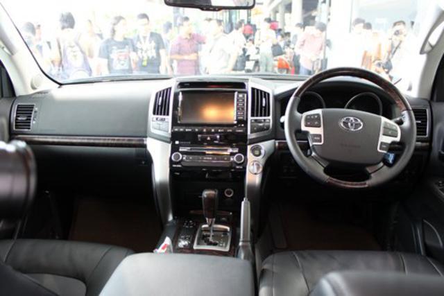 toyota land cruiser 200 5 Harga Mobil Baru Toyota Land Cruiser Indonesia