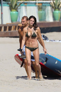 American model, Ashley Greene, Ashley Greene bikini, Model Ashley Greene, Malibu, Malibu Beach, Malibu Beach TRavel, Malibu cheap travel tour, Malibu hot vacation, malibu hotel, malibu luxury hotels, malibu vip beach, Malibu vip tour
