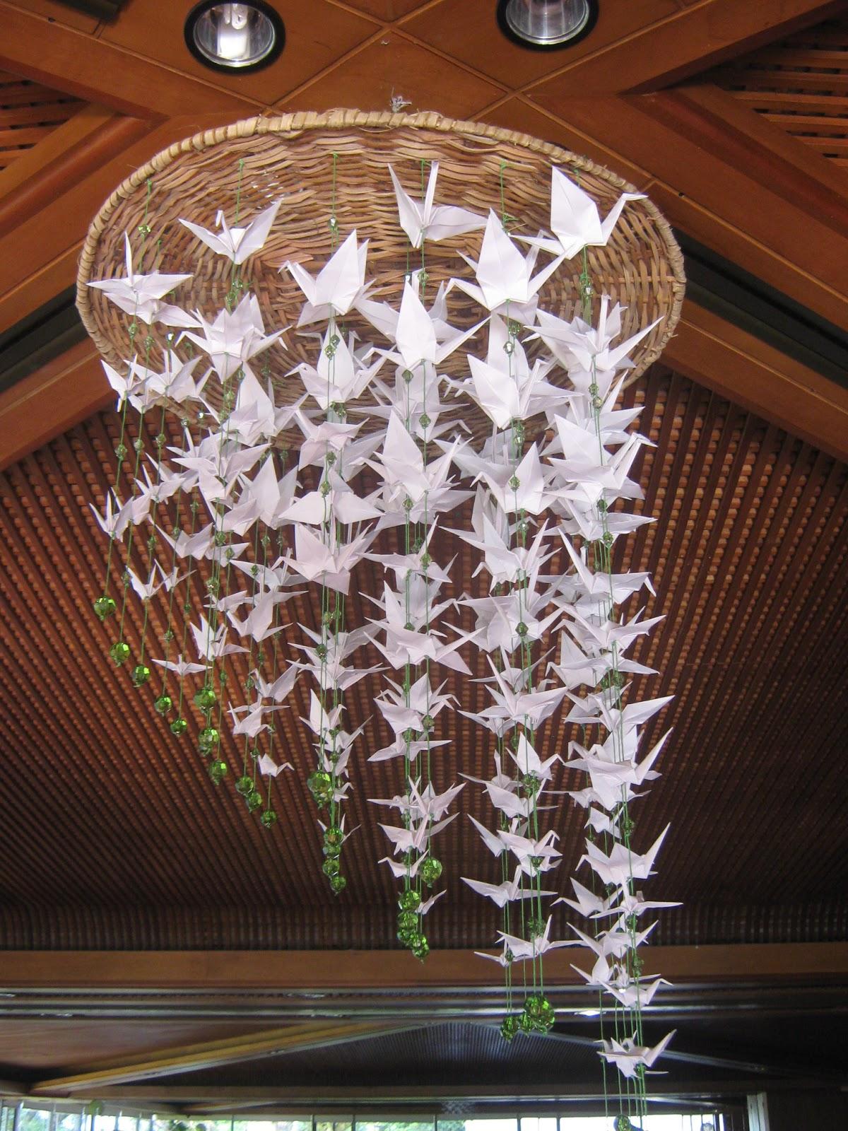 Decoracion de eventos en origami papel y caf for Papel de pared para salon