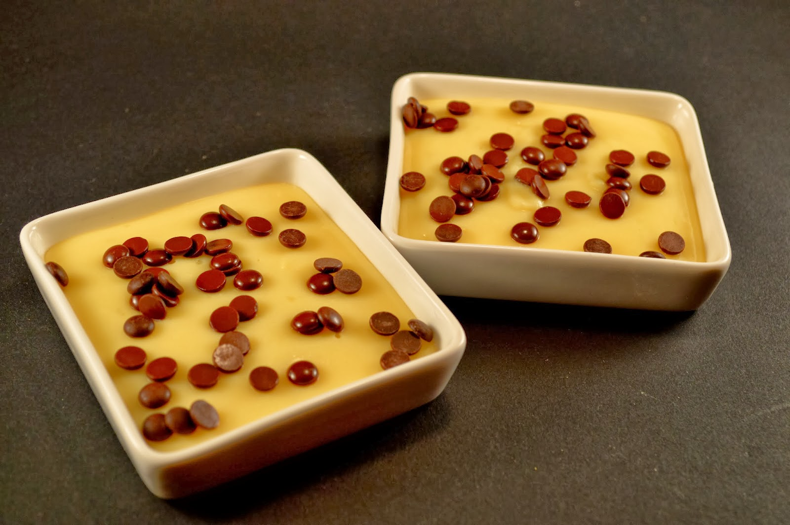 Natillas caseras con pepitas de chcoclate