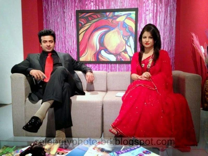 Most+Popular+Female+Bangladeshi+News+Presenter+Farhana+Nisho's+New+Hot+Photos+Collection011
