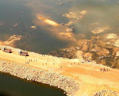 Alguns escassos ativistas perturbam obras em Belo Monte