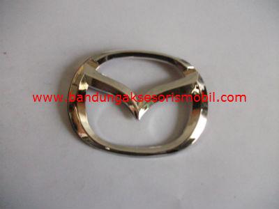 Emblem Logo Mobil Bulat Tempel Mazda