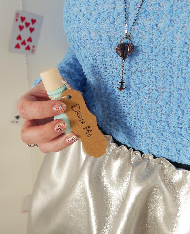 confetti nails, Alice in Wonderland, Karen Smith Jewellery, drink me, style inspiration, anchor necklace, Scottish blogger, steampunk