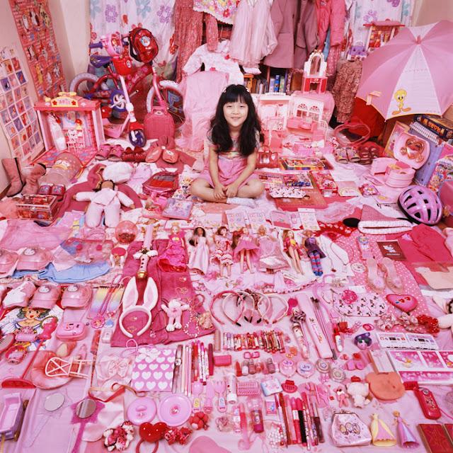 Den lille pige skal have alt lyserødt