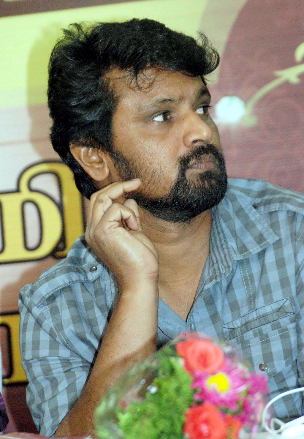 http://1.bp.blogspot.com/-H_JH6IEG7Qk/TWI-HvI-xgI/AAAAAAAAIQQ/a1pyLCKcq7g/s1600/Naorway+Tamil+Film+Festival+Pressmeet+Stills_1.jpg
