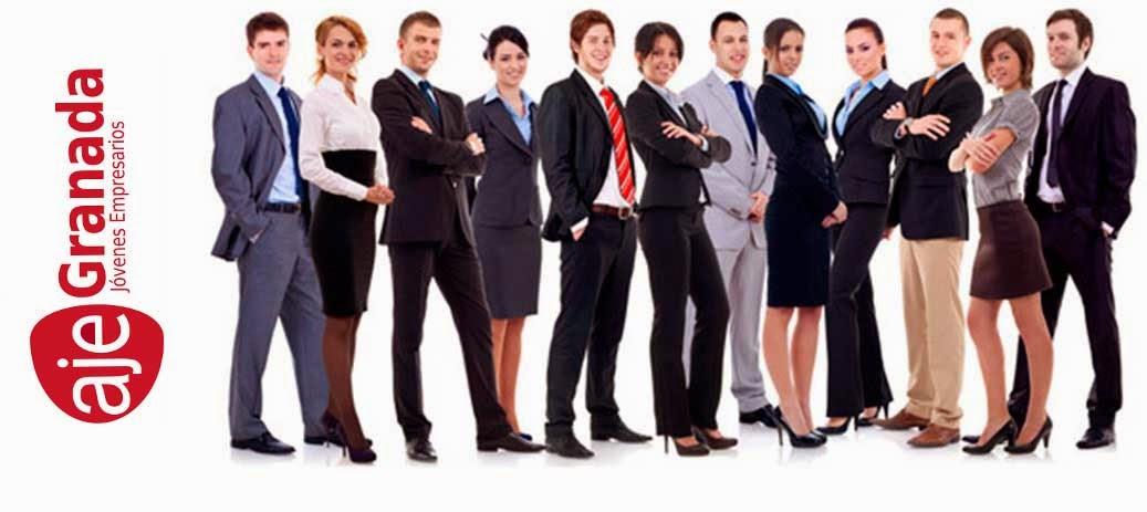 Una serie de emprendedores granadinos asociados a la Asociación de Jóvenes Empresarios de Granada (AJE)