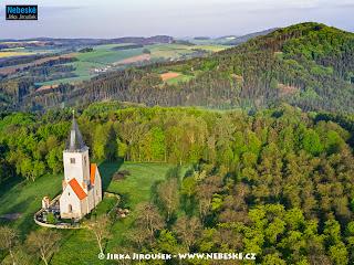 Kostel sv. Jakuba a Filipa, Chvojen