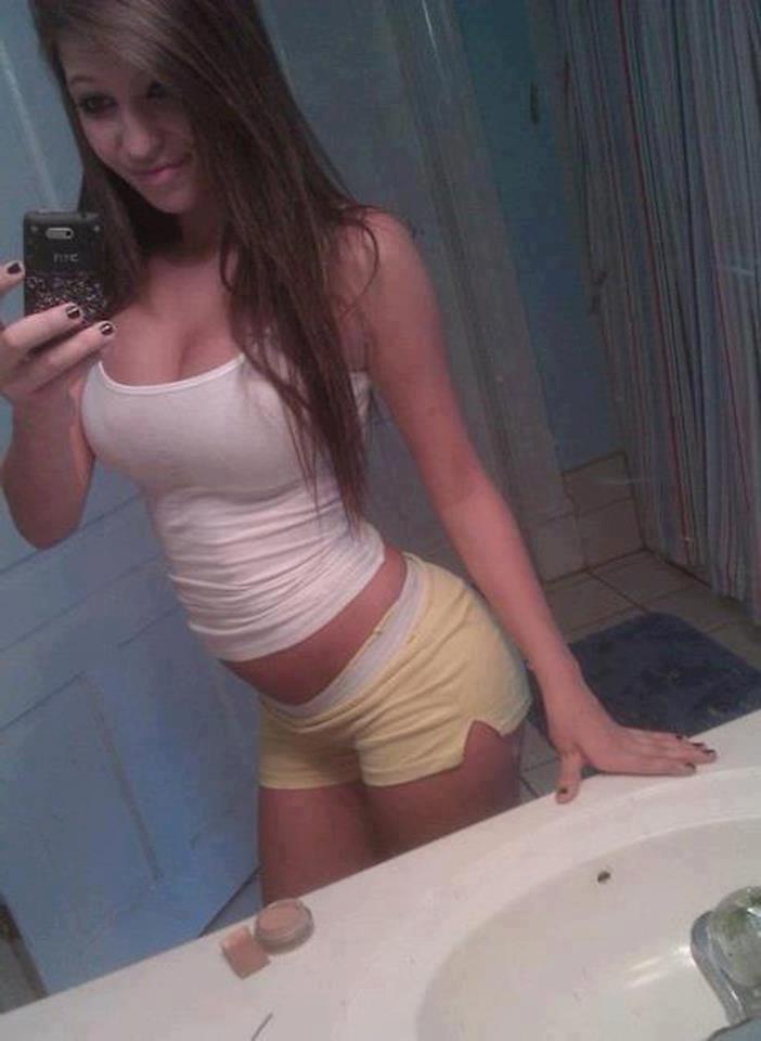 desi girls nude in washroom