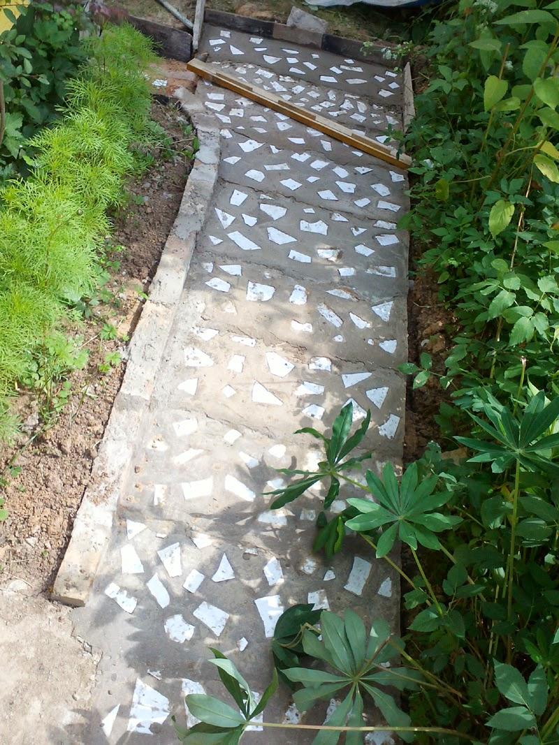 Как залить дорожку цементом