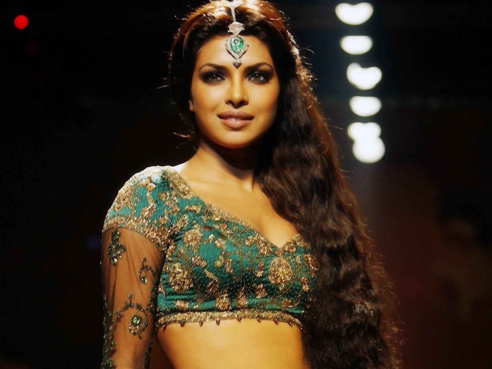 Priyanka Chopra hd 2013 wallpapers