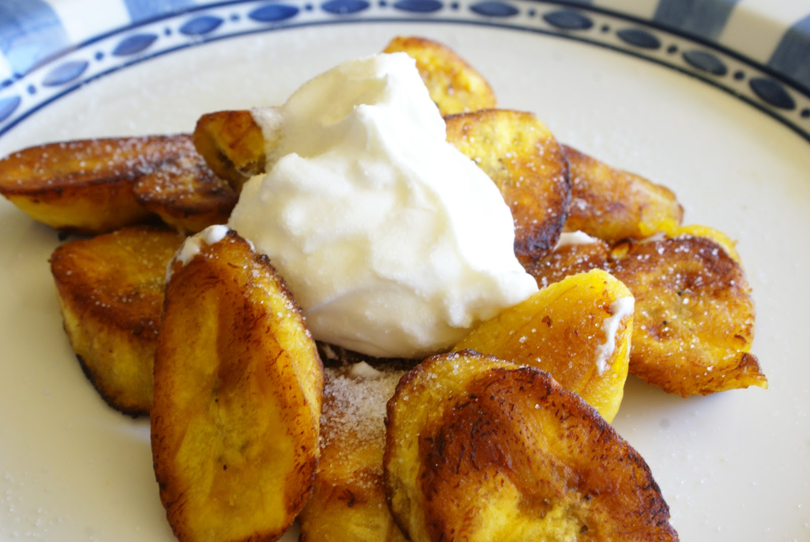 The Hungry Lovers: Plátanos Maduros (Sweet Fried Plantains)