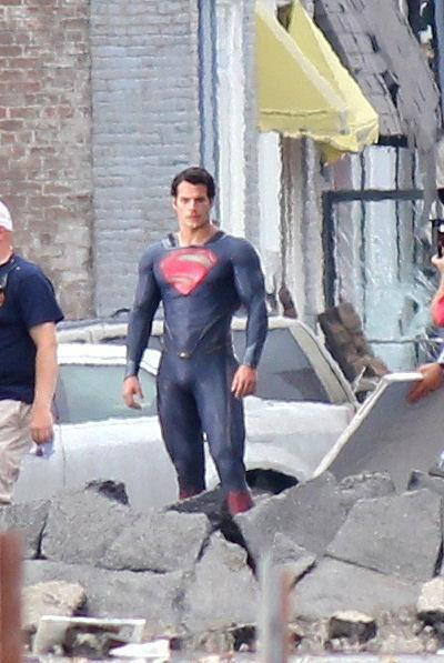 superman 2013 costume,superman 2013 pictures,new superman movie costume,new superman suit 2013,man of steel costume reaction,superman bulge,superman man of steel general zod,man of steel movie costume,henry cavill bulge