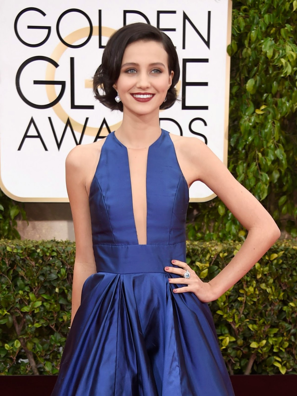 Julia Goldani Telles stuns in a ball gown at the 2015 Golden Globes