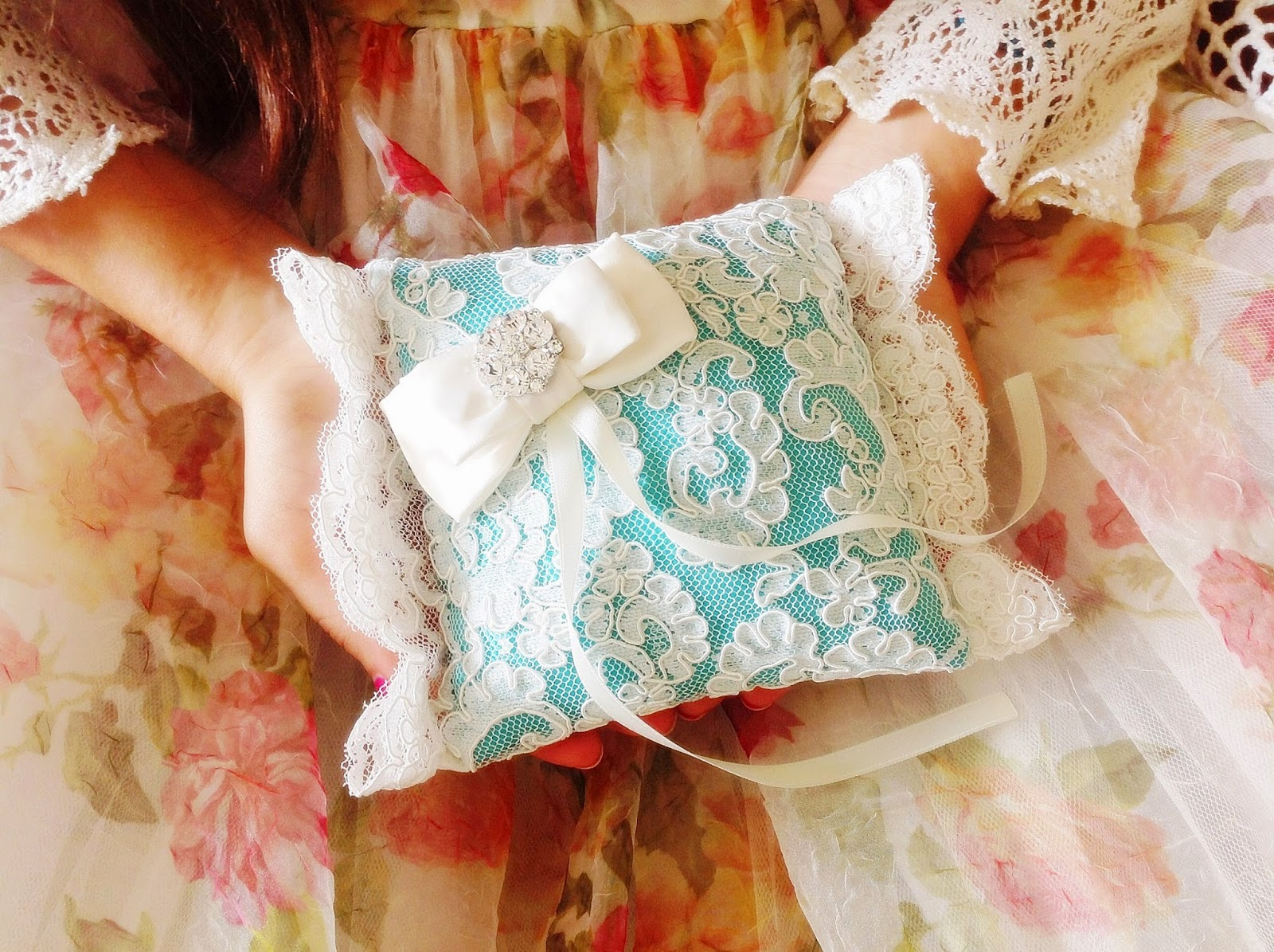 Wedding ring bearer pillow in lace