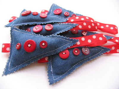 50 Creative and Cool Ways To Reuse Old Denim (50) 35