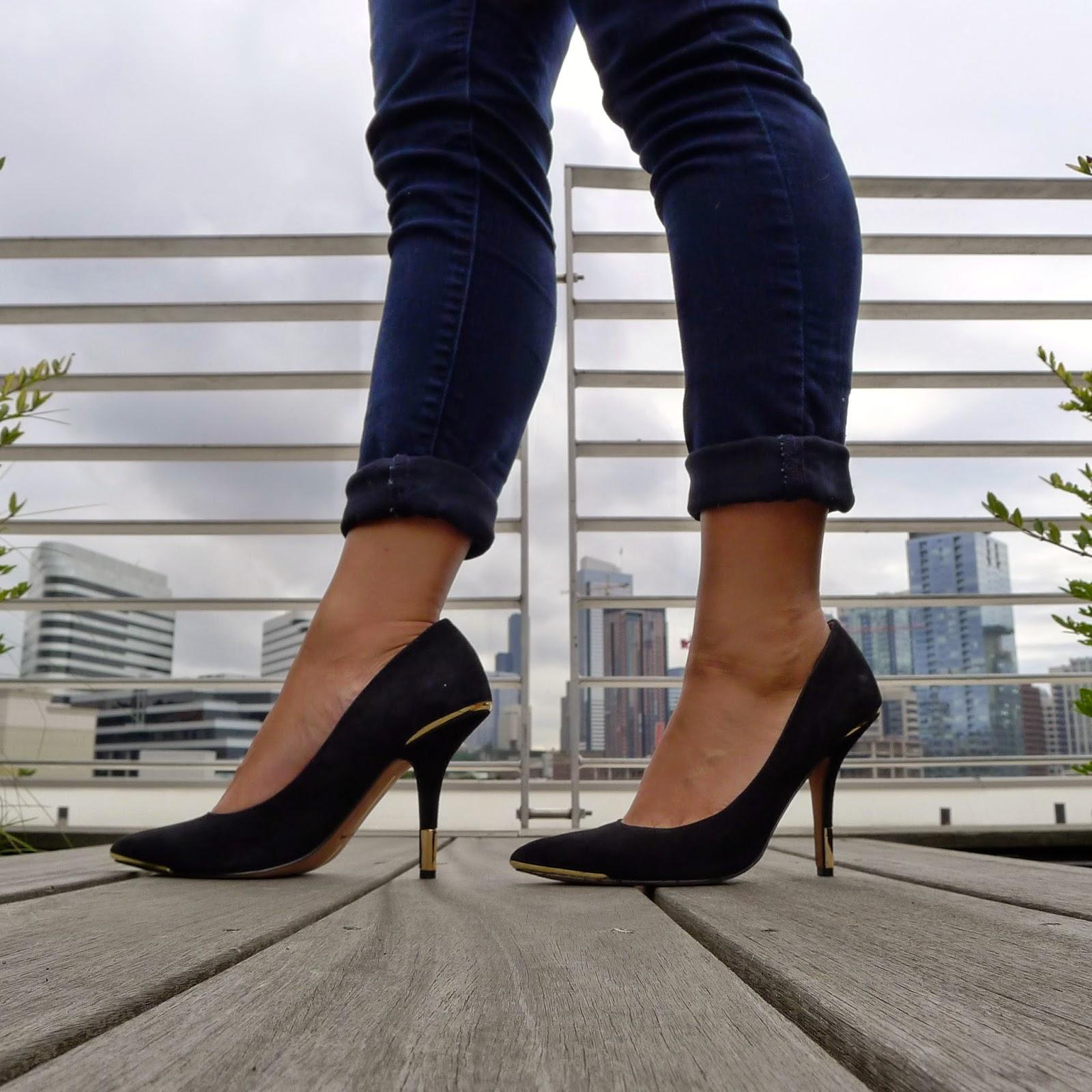 Levi's® Pull-On Leggings in dark ink rinse