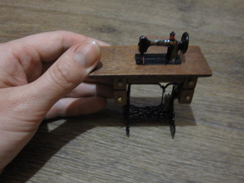 Как сделать швейную машинку