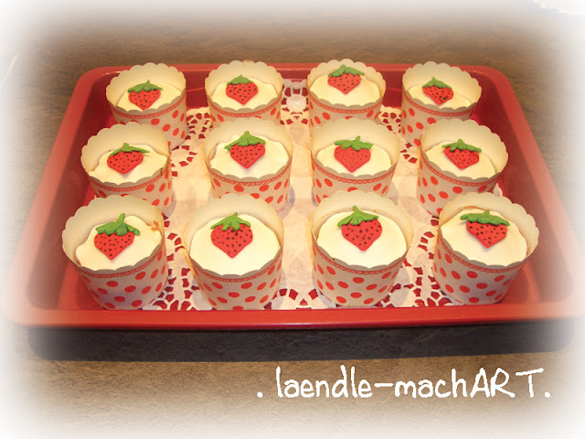Muffins Erdbeer Deko