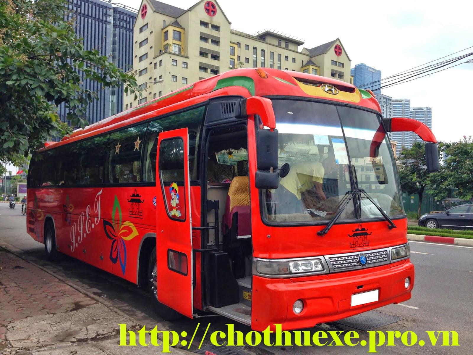 Cho thuê xe đưa đón nhân viên tại Hà Nội theo tháng