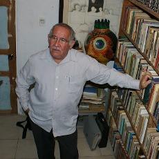 EN UN MUNDO DE VOCES / Conversación con José Francisco Ortiz