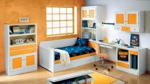 dormitorio infantil blanco y amarillo