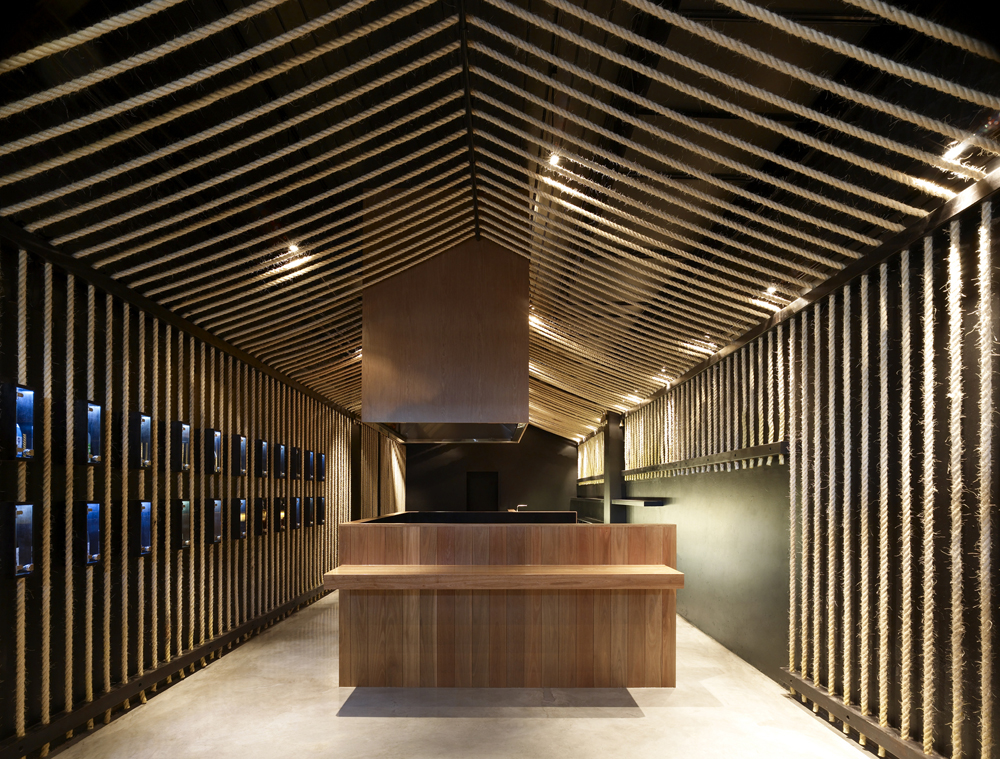 Best restaurant interior design ideas grill sake bar for Restaurant interior designs ideas