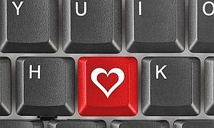 """Internet se ha convertido hoy en día en la plataforma elegida por millones de personas alrededor del mundo tanto para encontrar el amor como para demostrar afecto. Por este motivo, la cercanía de los festejos de San Valentín no pasa desapercibida para los cibercriminales, que se encuentran atentos a la oportunidad para atacar usuarios desprevenidos. """"Fechas como el Día de los Enamorados permiten a los atacantes anticiparse a los intereses y necesidades de los usuarios y planear sus estrategias en función de las que serán sus principales actividades en línea durante ese período. Es por eso que, durante esta celebración,"""