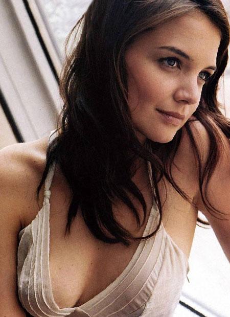 Katie Holmes, la mujer de Tom Cruise, desnuda y muy