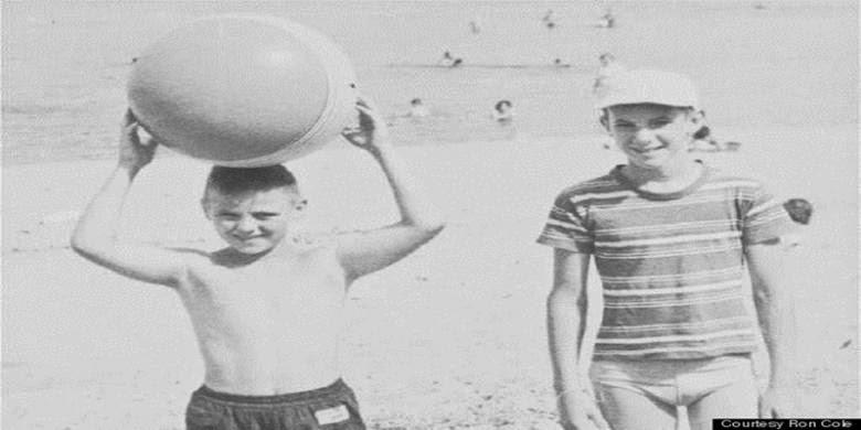 Terpisah Selama 60 Tahun Dua Sahabat Ini Ternyata Saudara Kandung