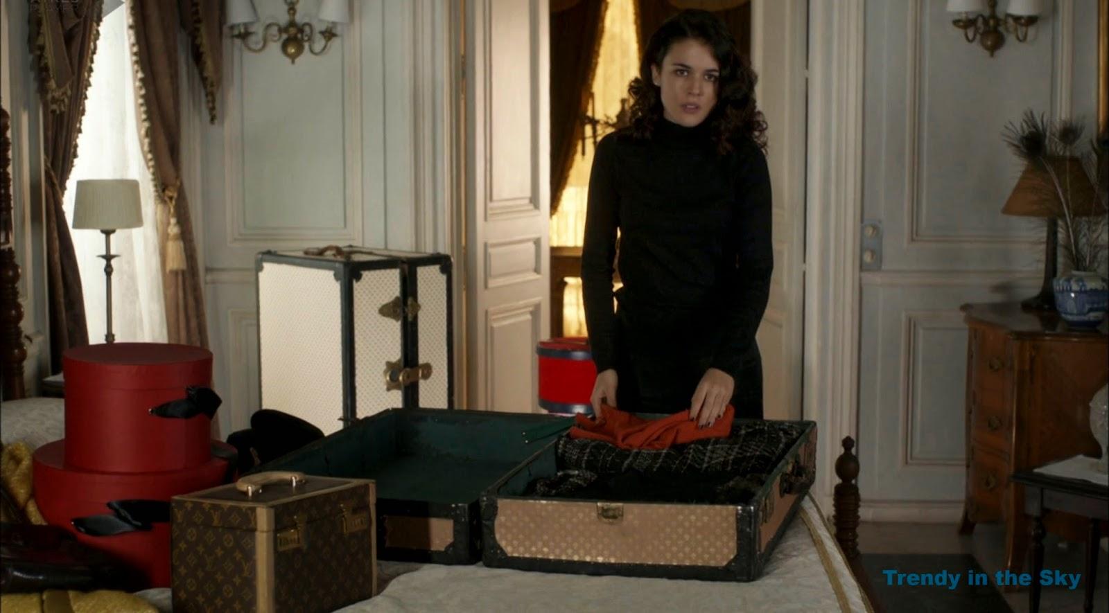 Sira Quiroga jersey negro. El tiempo entre costuras. Capítulo 10
