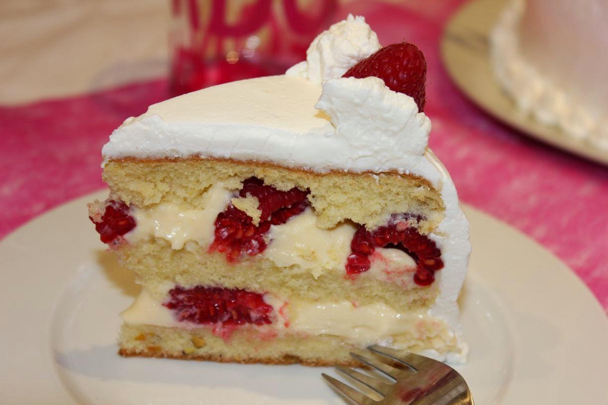 Coulis Chocolat Blanc Layer Cake