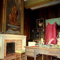La cheminée posée dans la chambre de Richelieu du CHâteau de Condé - AyPR DR