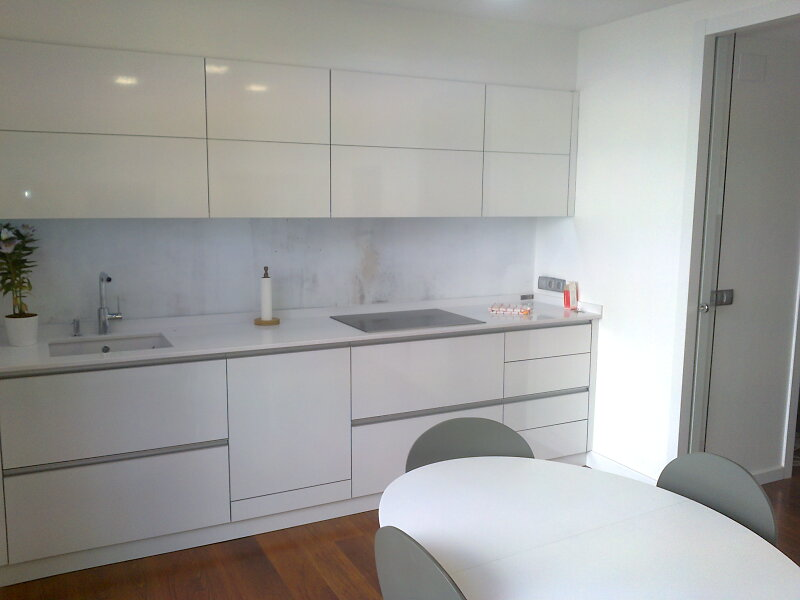 Ca uelo e hijos carpinteria s c p armarios de cocina - Puertas de aluminio para cocinas ...