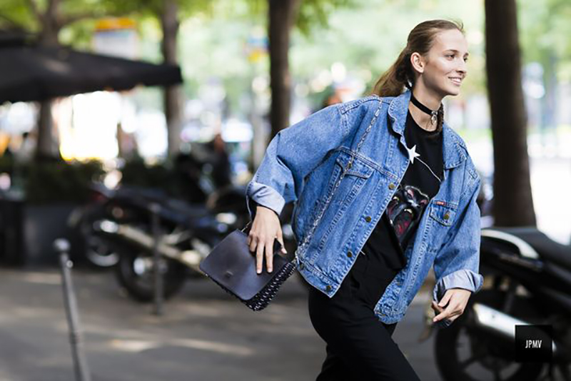 how-to-wear-black-and-denim-leather-jacket-jumpers