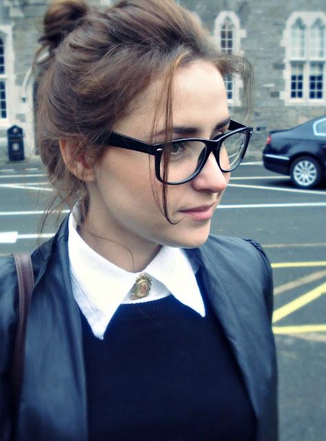 Kelebihan Wanita Berkacamata