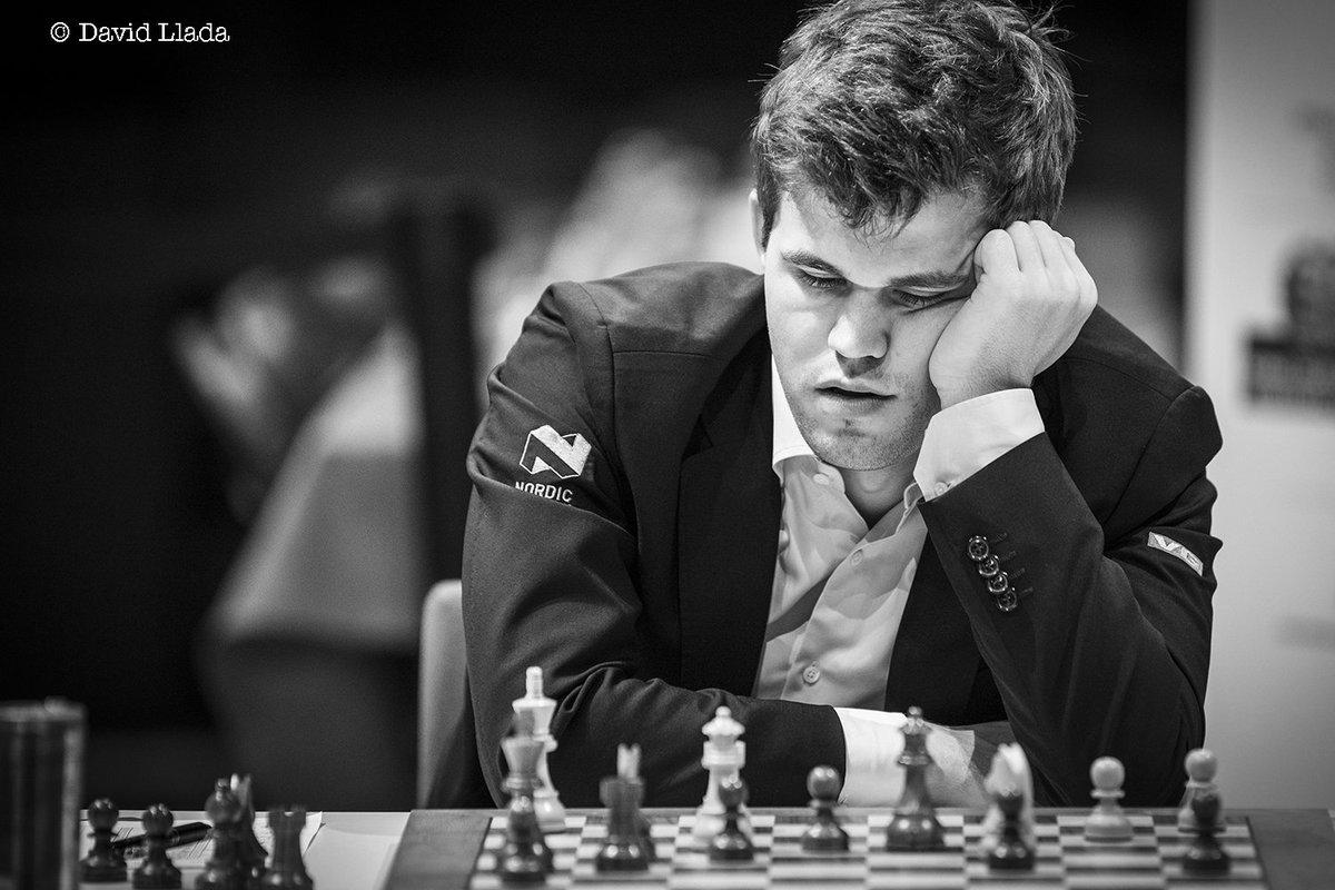Una aproximación a Magnus Carlsen Los lunes de octubre 19.30 hs.Análisis de partidas y trayectoria.