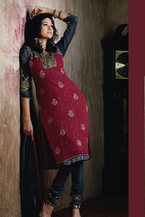 Red-Salwar-Kameez-Designs
