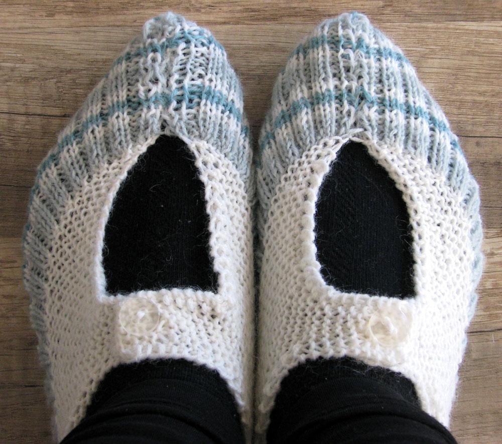 Knitting Pattern For Pocketbook Slippers : Lena Katrine`s Scrappeskreppe: Knitted
