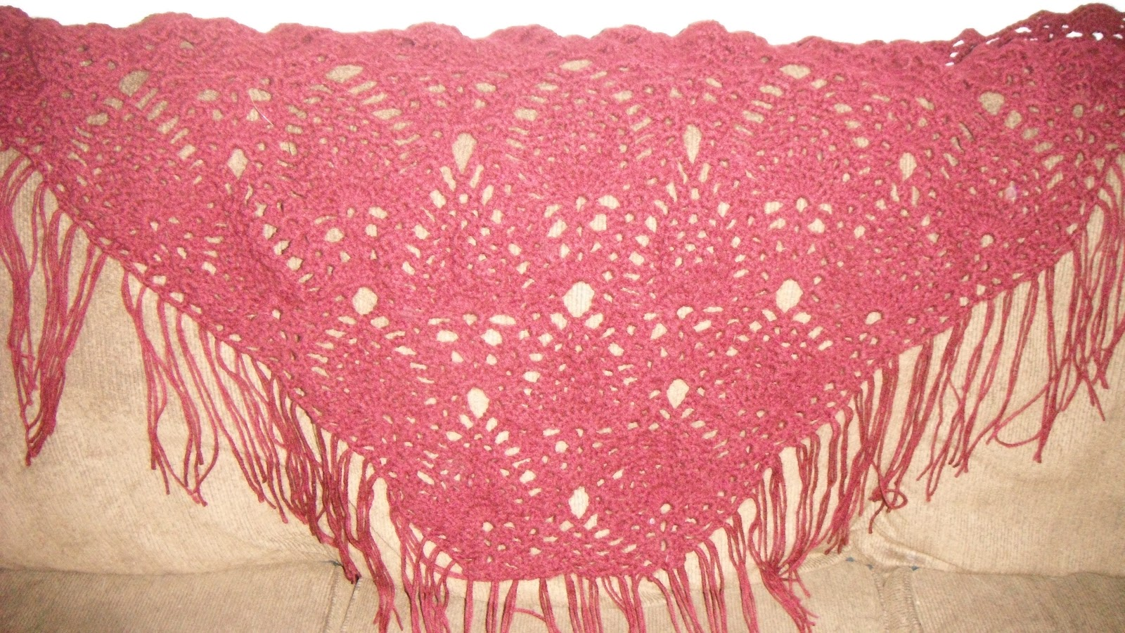 Craft disasters and other atrocities december 2012 pineapple pattern shawl i really love this pattern its called the sidewalk shawl and it is very pretty not too complicated once you get going either dt1010fo