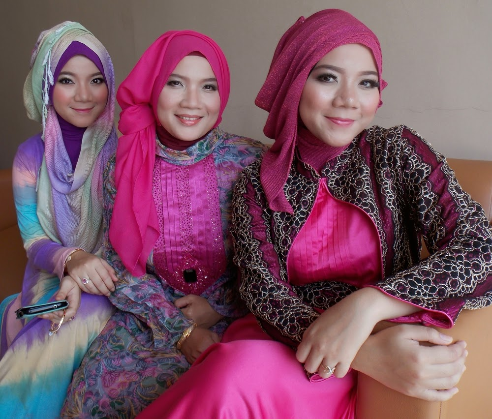 Lamaran Muslimah Makeup Natural kreasijilbab cantik