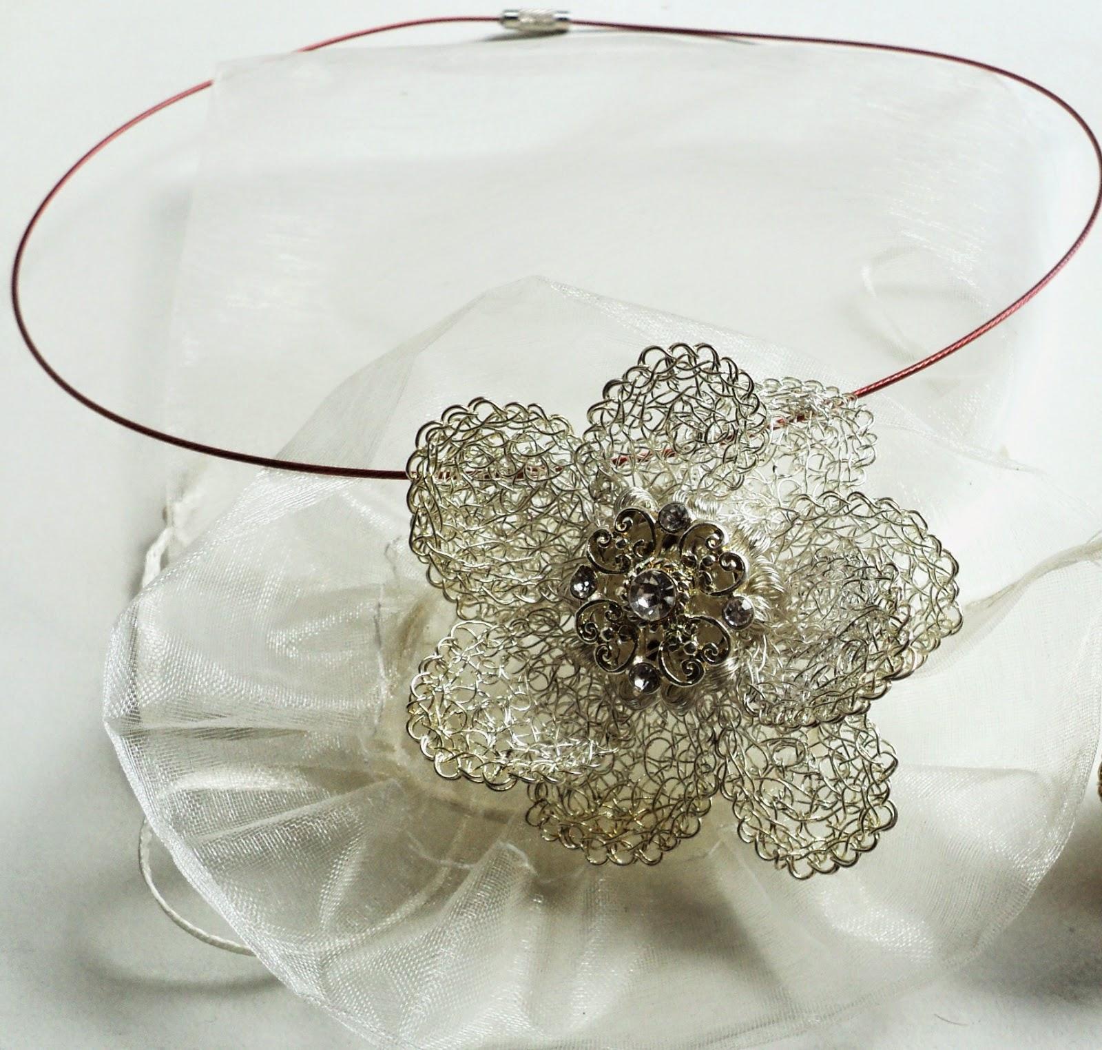 Bodas De Plata Imágenes De Archivo, Vectores 123RF - imagenes de anillos de matrimonio en plata