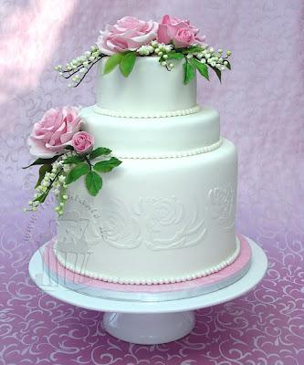 Hochzeitstorte Rosen Maiglöckchen