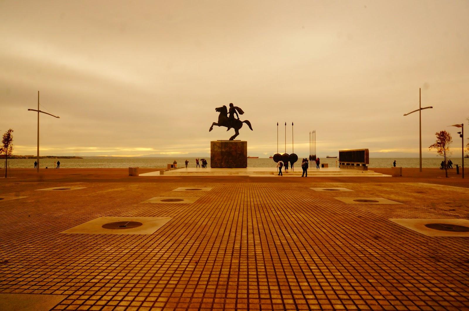 Памятник-Александру-Македонскому