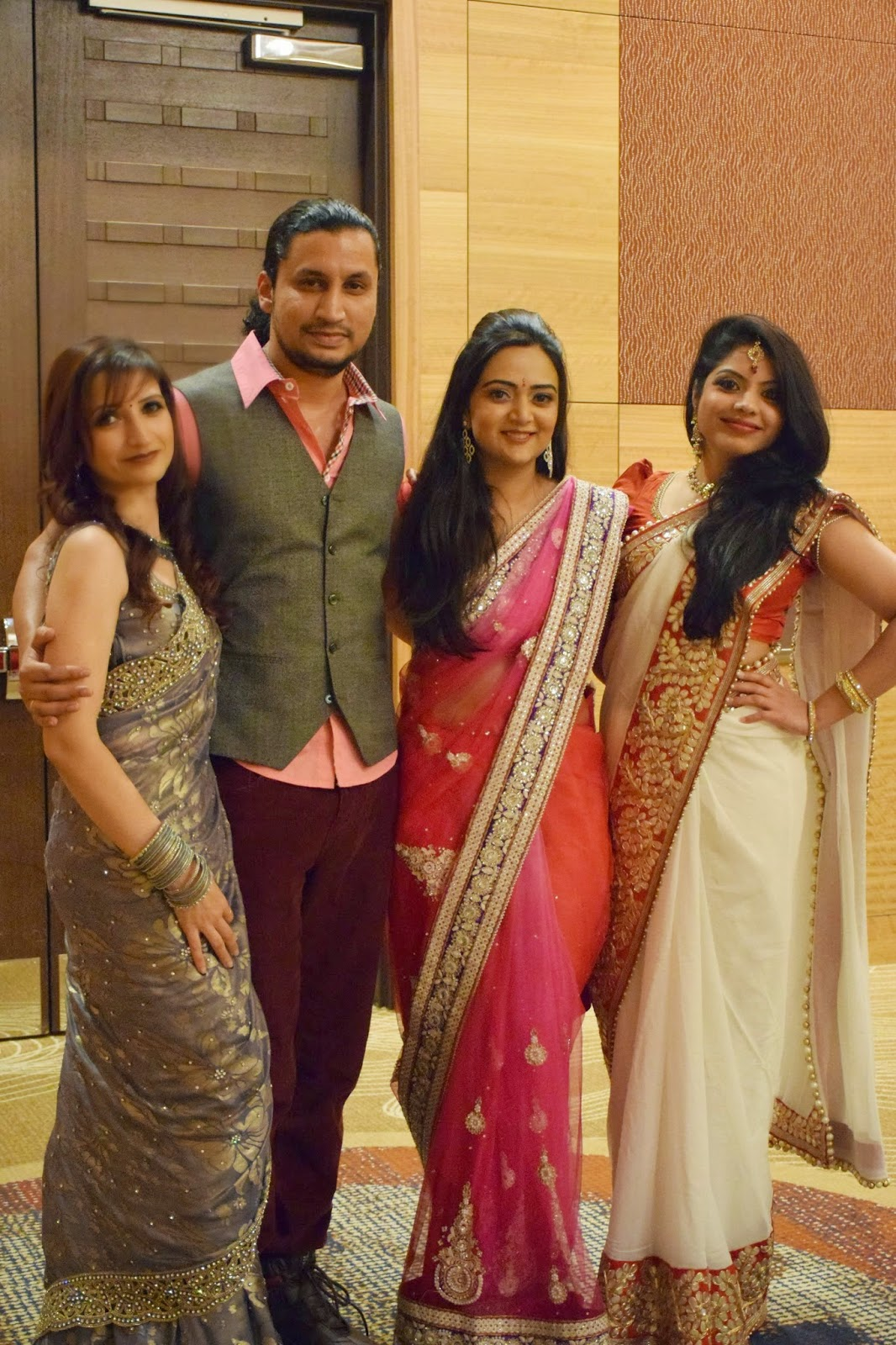 Ananya with her friends,Ananya in Sari, Seattle Fashion show, Hyatt Seattle Fashion Show, Authentic Indian wear, Fashion show in Seattle, Seattle Desi Fashion Show
